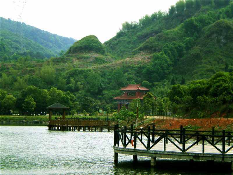 咸宁-温泉的开发和利用至今已有1400多年历史