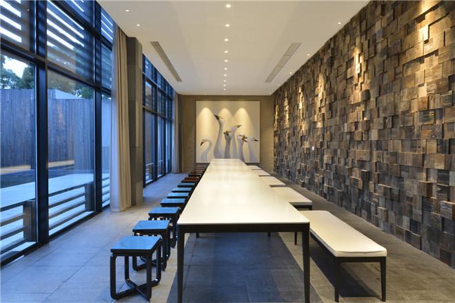 胡俊峰设计师访谈:专注时尚餐饮空间